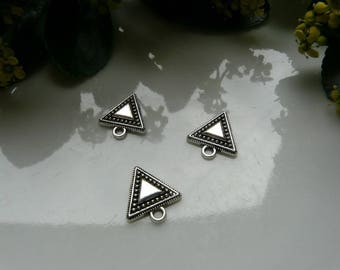 Silver triangle pendant 16 * 15mm
