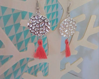 loop earrings hammered round connector and coral tassel