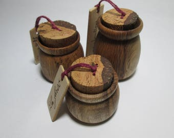 For your jewelry, three small oak wooden boxes