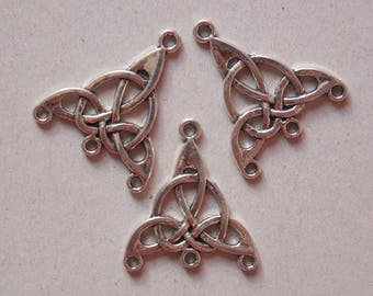 Charm connector ❤ Celtic triquetra Trinity metal bow