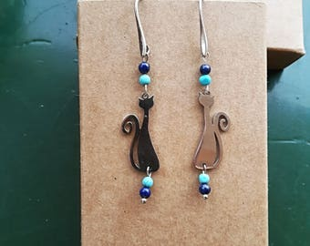 Handmade turquoise and lapis lazuli beaded earrings with steel cats