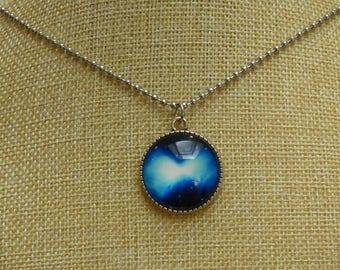 Sky blue cosmos cabochon necklace