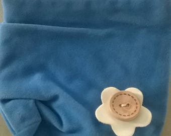 LARGE BLUE FLOWER BUTTON WITH FELTED WOOL BAG