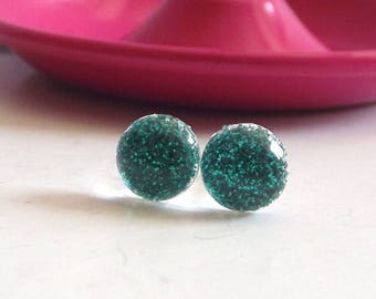 Small Stud Earrings in silver and glittery green glass cabochon