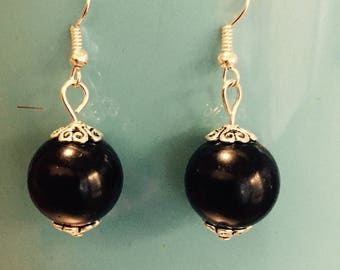 Earrings Pearl black costume jewelry