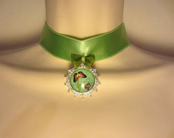 The Green Choker necklace