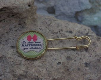 """""""Master collection tearing"""" safety pin brooch"""