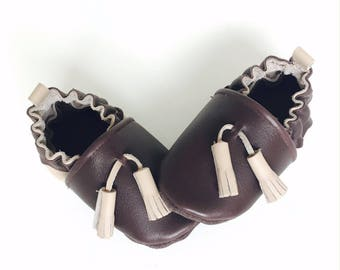 LEATHER baby BOOTIES has elastic size 18-19 (6-12 months) taupe and chocolate