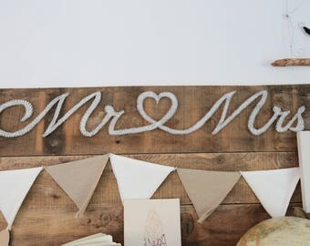 Mr & Mrs wooden sign