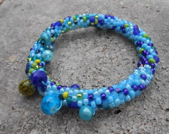 """Grappolo"" blue beaded bracelet"