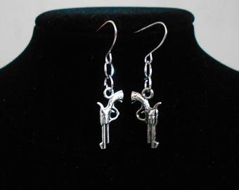 Beautiful pair of silver plated earring