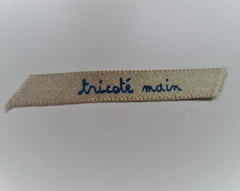 "2 tags applique ""knitted"" writing Brown satin ribbon blue"