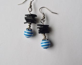 Earrings made of recycled bike tube and Pearl resin striped - blue room