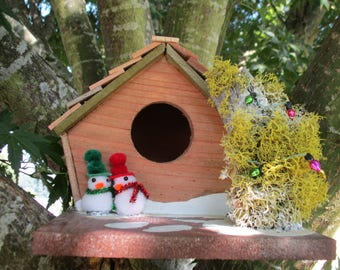Mr and Mrs Claus' Bird Cabin