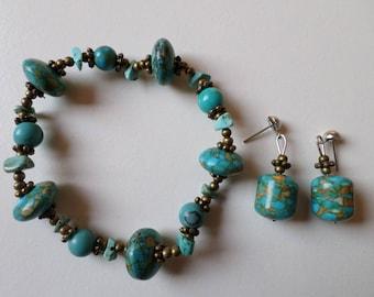 Blue elastic bracelet in natural stone
