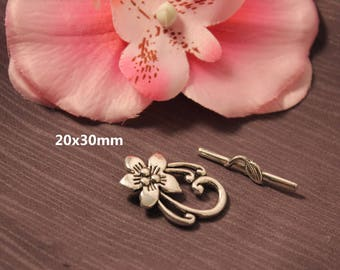 5 - SC00030 - 20x30mm Silver Flower Toggle clasps