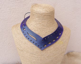 Openwork violet neck asymmetrical leather Choker