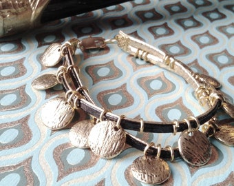 Kit for creating a reversible black and gold bracelet