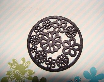 1 Pearl pendant black matte round wooden patterned floral 55mm diam.