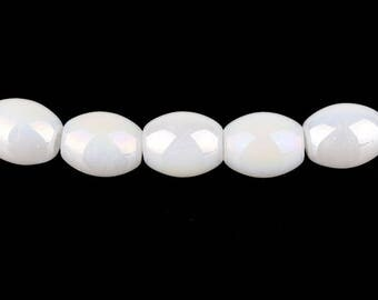 Lust Milky glass - oval (15x11mm) - hole 1.5 mm - White Pearl