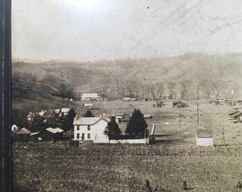 Antique farm photograph in Aynsville? Kentucky