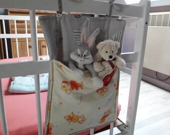 Storage bag to hang on the crib.