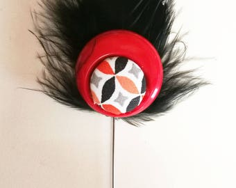 Brooch / pin with red and Black Hat
