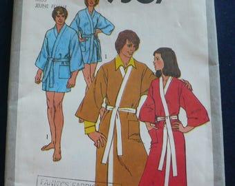 Women's Kimono, Robe Pattern - Vintage Simplicity 9507 - Size 10