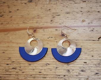 CLEO earrings, gold and ultramarine blue leather