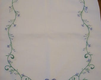 Filigree Scroll Dresser Scarf and Pillowcase Set