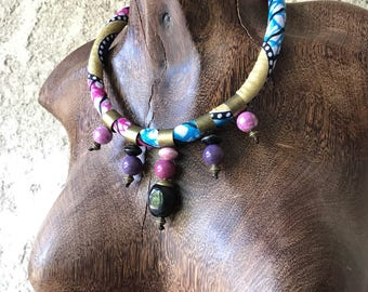 WAX NECKLACE / blue or pink ceramic