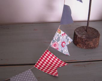Garland pennants Liberty miniatures and cotton blends, shades of red, grey and slate blue, natural linen cord