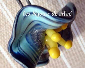 big blue flower pendant P1123 light blue, yellow, dark blue