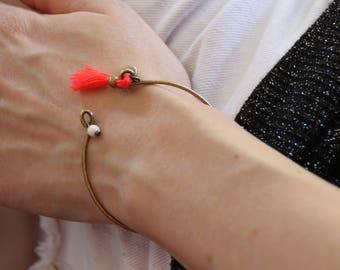 Bangle Bracelet / coral pink Pom Pom
