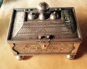 African Tuareg box
