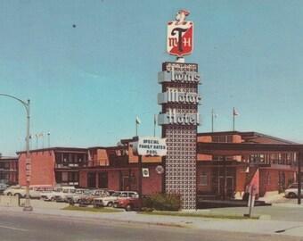 St. Paul, Minnesota Vintage Postcard - Twins Motor Inn,