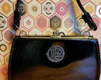 Small vintage hand bag with kiss lock
