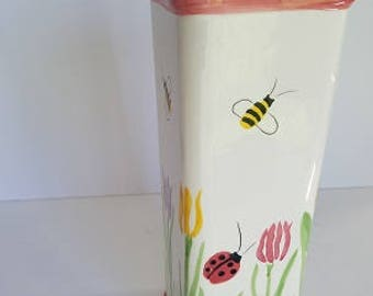 Bumble bee vase, container, garden vase,  kitchen garden,  modern kitchen, square ceramic jar,