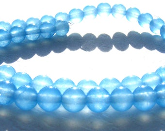 8 aquamarines de 6 mm perles pierres bleues transparentes.
