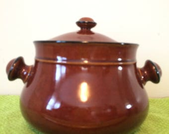 Two Handled Brown Stoneware Bean pot crock in excellent condition with cover