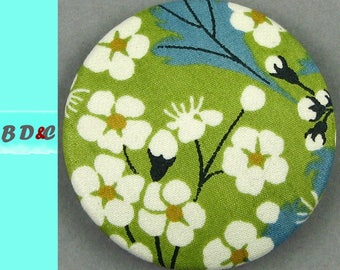 Diameter 40 mm - Liberty Mitsi green lemon - fabric covered button