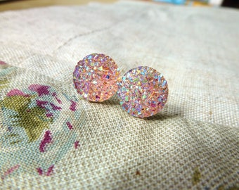Small bright pink earrings, stone sparkling druzyrose BO badges pink sparkly crystals