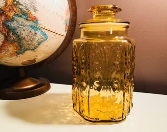 Vintage L.E. Smith Amber Glass Atterbury Scroll Embossed Large Apothecary Jar