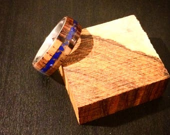 Wood ring with crushed stone inlay