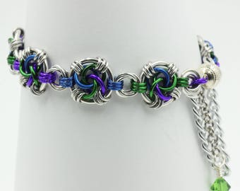 Swirls chain mail chainmaille bracelet mobius