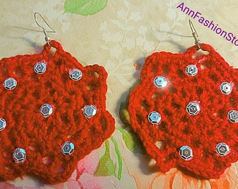 Red earrings turning crochet with rhinestones-red pearls with rhinestones