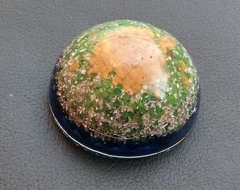 "Orgonite ""Erim"" in Resina epossidica semisfera (Dimensioni: Ø 70 mm h 35 mm)"