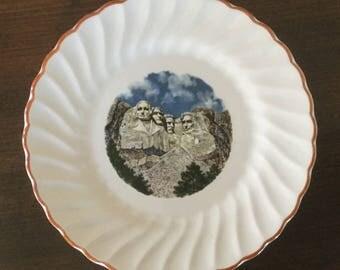 Vintage Mt. Rushmore Souvenir Plate, Mount Rushmore Plate, Mt. Rushmore Memorabilia, Small Souvenir Plate. Mount Rushmore, National Monument
