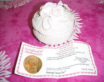 """Pink 1978 Heritage House Music Box With Certificate, Song """"Love Me Tender"""""""