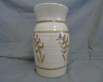 abaty welsh pottery vase